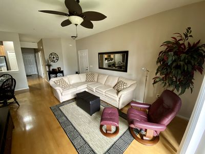 Photo for 3/2 spotless turnkey-furnished Sarasota condo just 8 miles from Siesta Key Beach