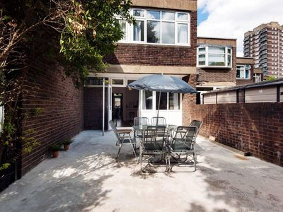 Photo for 3 Bedrooms Great House in Central London