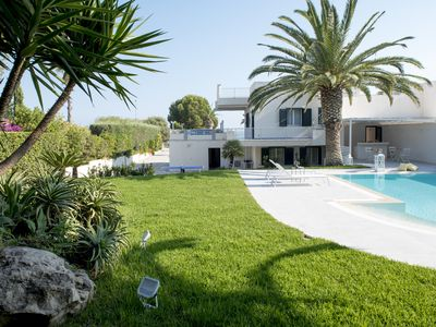 Photo for Villa Vulcano in the heart of Marina di Ragusa 100 meters from the sea