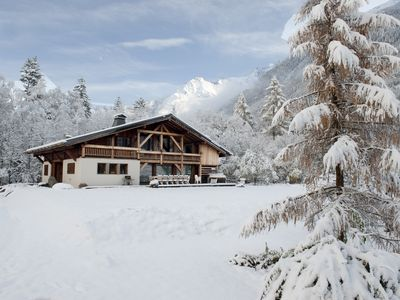 Photo for Magnificent chalet 5*, centre of Chamonix, 7 bedrooms, sauna and hot tub