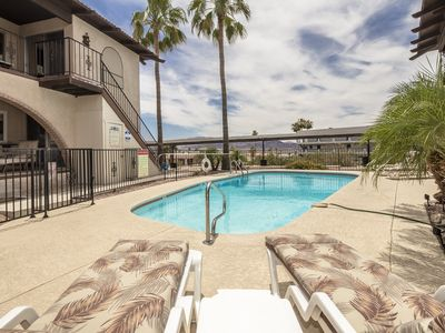 Photo for Georgeous 3 BR house with pool & jacuzzi $900/week!