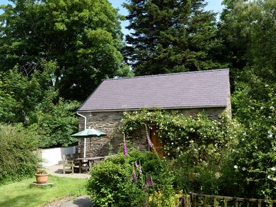 Photo for Stone Cottage with 2 acres in National Park near Beaches (4p)