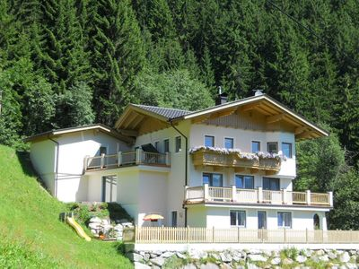 Photo for Spacious new apartment, ski bus station directly at the house - for free