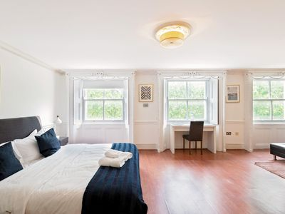 Photo for Hyde Park Room n4 one bedroom.