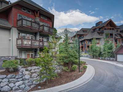 Photo for Modern 2 bedroom condo in the heart of the Rocky Mountains!