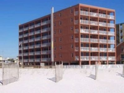 Photo for Heart of Gulf Shores Close to Festivals Walking distance to attractions