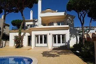 Photo for 4 Bedroomed Villa With Private Pool And Sea Views