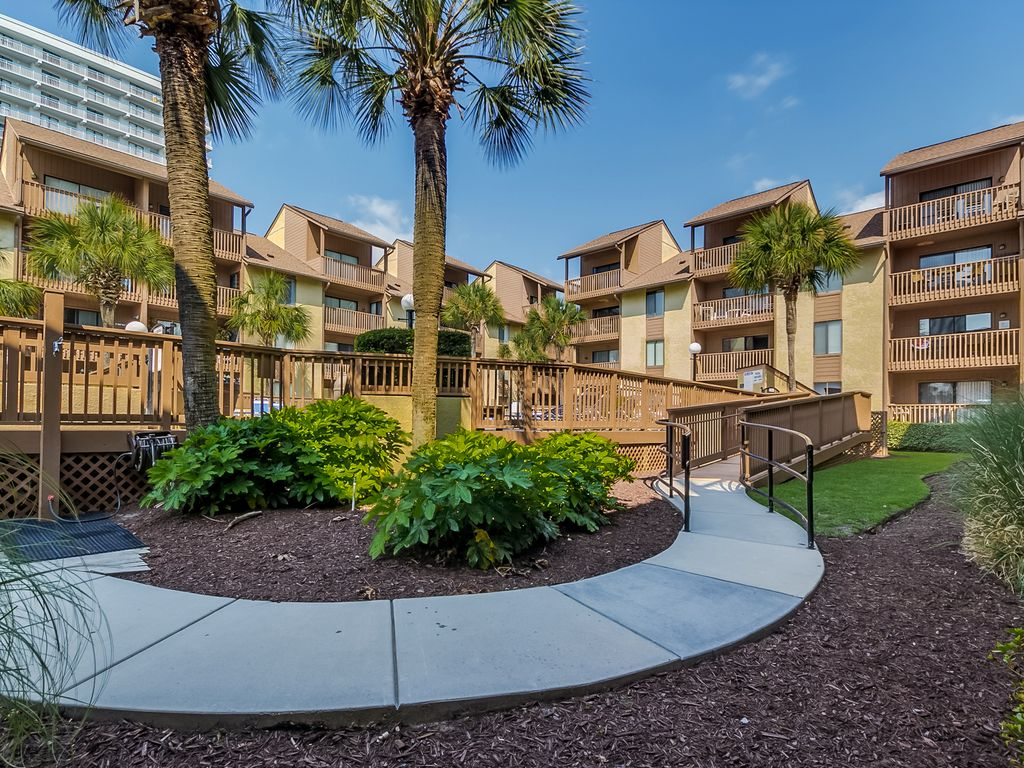 Large 3 Bedroom 2 Bath Pool And Courtyard View Condo At The Anchorage I Myrtle Beach Myrtle