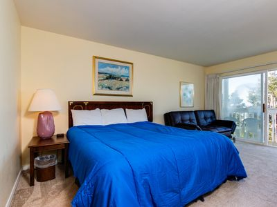 Photo for Dog-friendly studio with ocean views and a balcony - close to the beach!