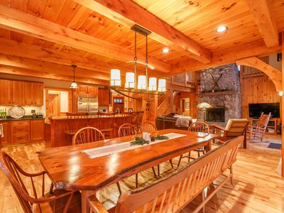 Best Location On Mountain!  - *Ski In, Ski Out* - 5 BR