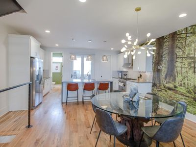 Photo for EARTH ✿ LARGE TOP FLOOR DECK ✿ WALK TO THE GULCH