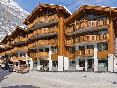 Photo for 4 bedroom Apartment, sleeps 8 in Zermatt with Pool and WiFi