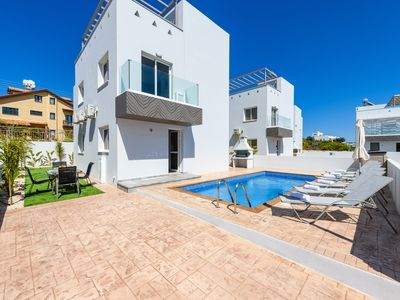 Photo for Nissini Villa #8 - Three Bedroom Apartment, Sleeps 7