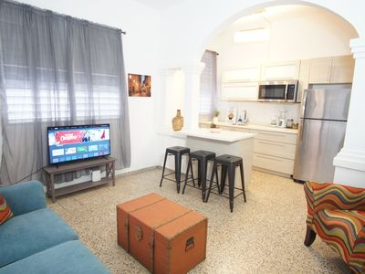 Photo for 6BR/3BA in Prime Area. Close to the Beach.
