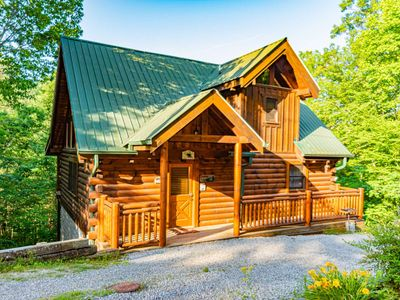Photo for Climbing Cub a NEWLY REMODELED cabin w/hot tub-pool table-WiFi **FREE TICKETS** Sleeps 6
