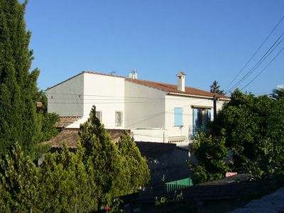 Photo for Spacious house (4/5 bedrooms) in the center, 10 minutes' walk to the beach
