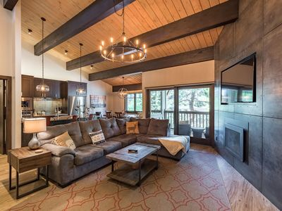 Breathtaking Mtn Contemporary | Immaculate Remodel | Rent 4nts, 5th FREE