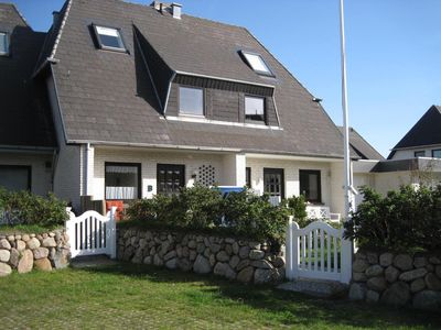 Photo for Holiday house with an unobstructed view of the Wadden Sea.