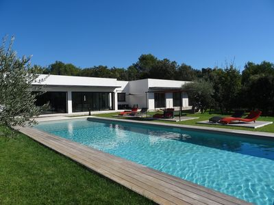 Photo for Contemporary villa 280m2 with swimming pool and jacuzzi in Aix countryside