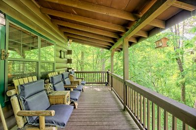 Dog Friendly Creekfront Cabin W A