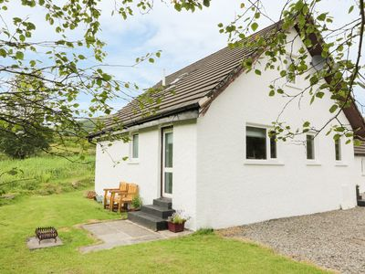 Photo for THE AULD TYNDRUM COTTAGE, pet friendly in Tyndrum, Ref 957279