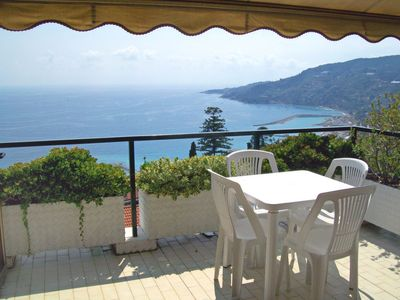 Photo for Apartment Le Serre in Ospedaletti - 2 persons, 1 bedrooms