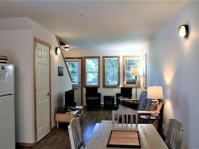 Photo for Beautiful 2 bedroom waterfront cottage! Sleeps 6