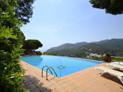 Photo for Fantastic townhouse with sea views, located in one of the most prestigious comuni