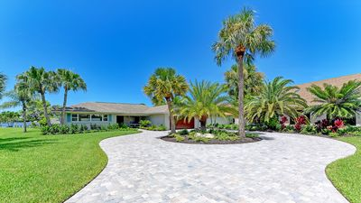 WATERFRONT Luxury Home! Private Pool, Dock, Close to Beaches