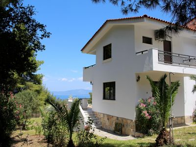 Photo for Very chic holiday house at the sea, terrace and garden, Wifi | Paliouri, Chalkid