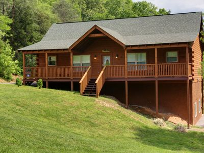 Photo for Cabin: Hot Tub, 2 fireplaces, Game Rm, huge yard, Fire Pit & Lg Grill, Free Wifi