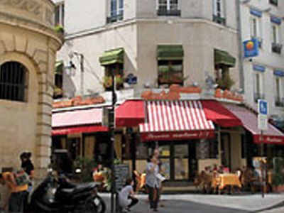 Photo for Authentic Parisian Studio 27 M2 (300 Ft2) With Front And Rear Views - 4th floor