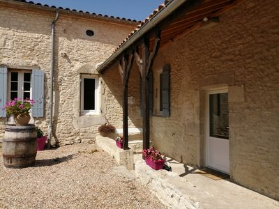 Photo for Cottage 2 to 10 people with swimming pool and pond, 30 mins from Bergerac