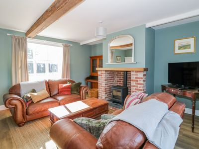 Photo for WONG FARMHOUSE, pet friendly, with open fire in Wymondham, Ref 986477