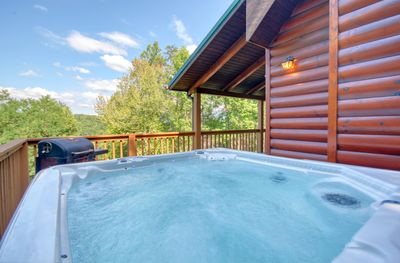 Huge Premium Hot Tub with great views! - This New Hot tub with a view is top of the line at Love & Laughs cabin!