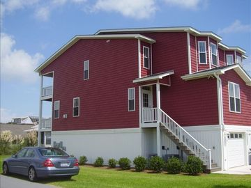 Stones Throw Kure Beach - Affordable Luxury  (Just Steps to the Beach)  WI-FI