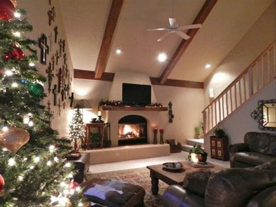 Spend Christmas Vacation in Red River at this luxury 4 bedroom vacation rental.