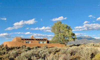 Photo for Charming pueblo-style home with incredible views!