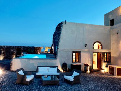 Photo for Spectacular Santorini villa with private pool, Car & private transfer