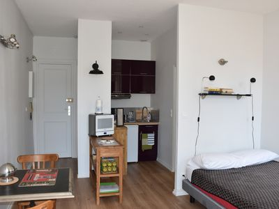 Photo for Charming studio in the heart of Bordeaux, quiet and bright