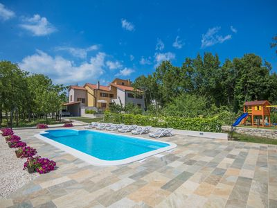 Photo for Family-friendly Villa in Quiet and Private Location, XXL Pool, Wifi, BBQ
