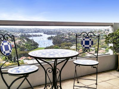 Photo for Top Floor Penthouse Apartment Cremorne -SUTH2