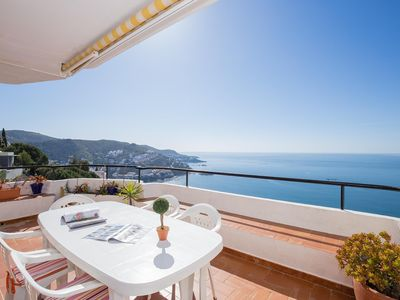 Photo for Apartment with sea views (Puig Rom)