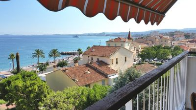 Photo for Renovated apartment 2018; balcony facing the sea, three rooms (76m2), private park