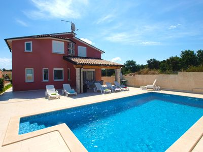 Photo for Holiday house Pula for 9 persons with 5 bedrooms - Detached holiday house