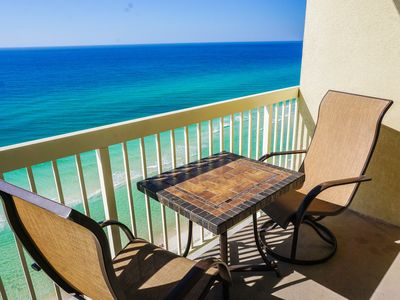 "Photo for BEACHFRONT!! FREE BEACH SERVICE!! TV SPORTS PKG!! NEW MATTRESS!! NEW 50"" TV!!!!"