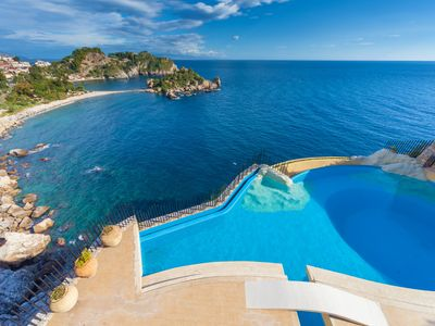 Photo for Exclusive, 3 en-suites, Taormina, infinity shared pool, private beach