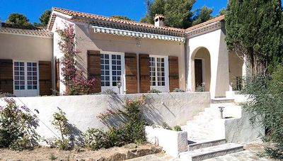 Photo for Villa cocooning in Bormes Les Mimosas - 5 Rooms 8 people