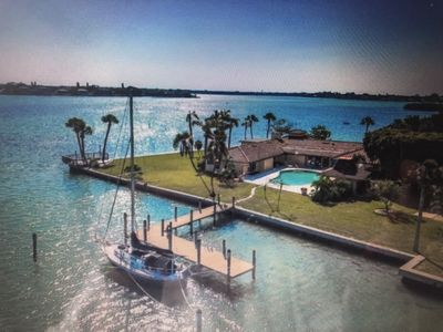 Photo for Beautiful, secluded oasis just minutes from famed lido beach and st Armand's cir
