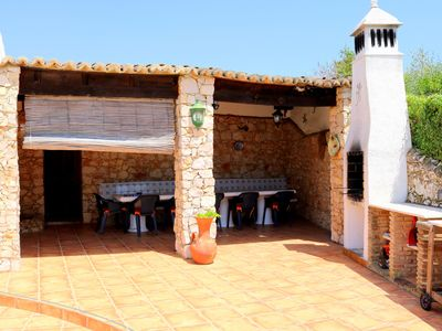 Photo for Luxury 6 bed villa with pool, BBQ,  close to town & beaches